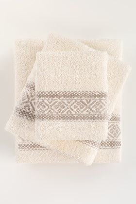 Cream Combed 3Pc Embroidered Towel Set