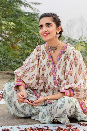1PC Unstitched Lacquer Printed Lawn Fabric SL-888 A